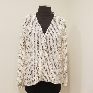 NWT! FOREVER 21 Ivory Printed Size S Top